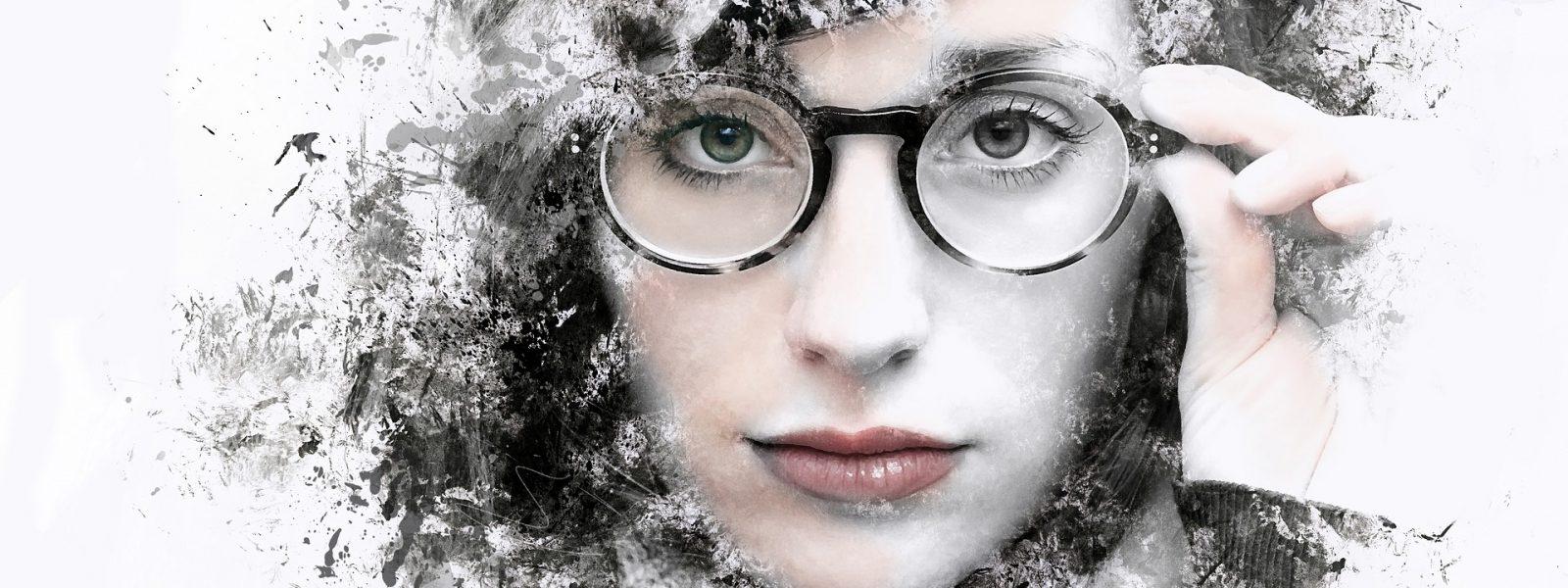 moteriski akiniai